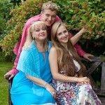 С мамой и женой