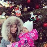 Виктория Болдырева с дочкой